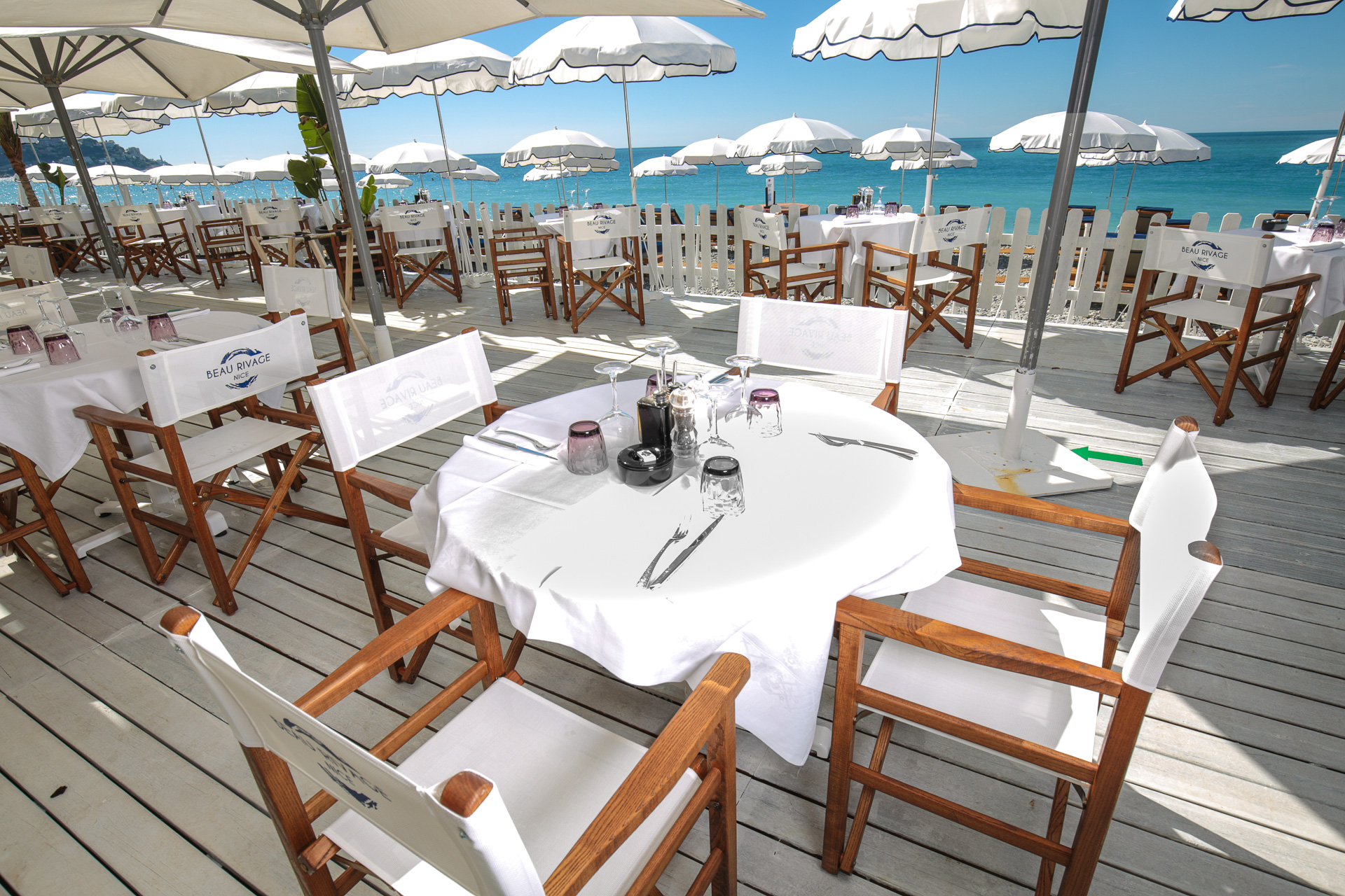 Table dressée au Restaurant de la Plage